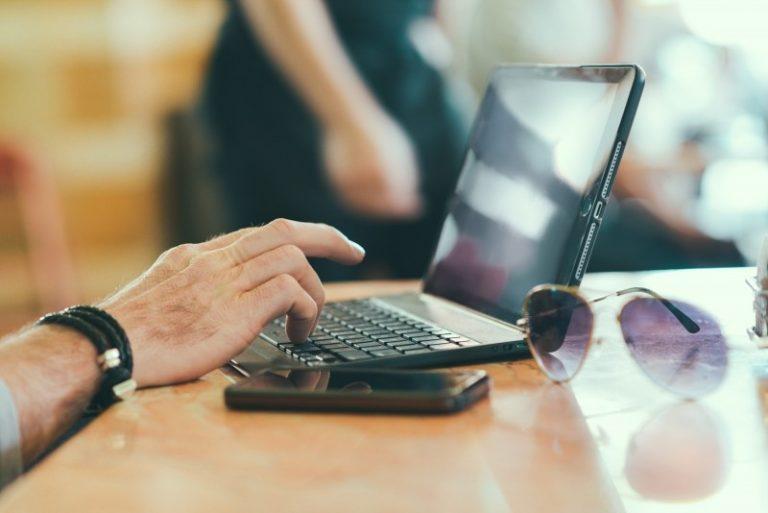 Sua Empresa no Facebook: Perfil ou Página?